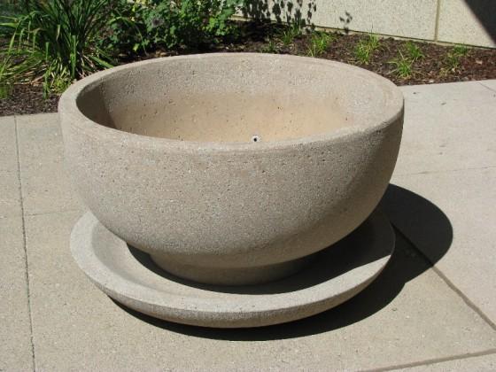 Precast Round Planter with Saucer